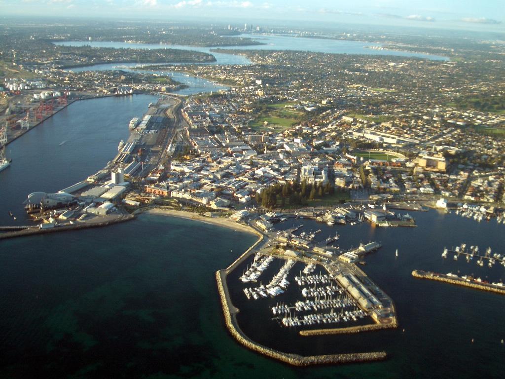 Aerial_view_of_Fremantle Wikki CC